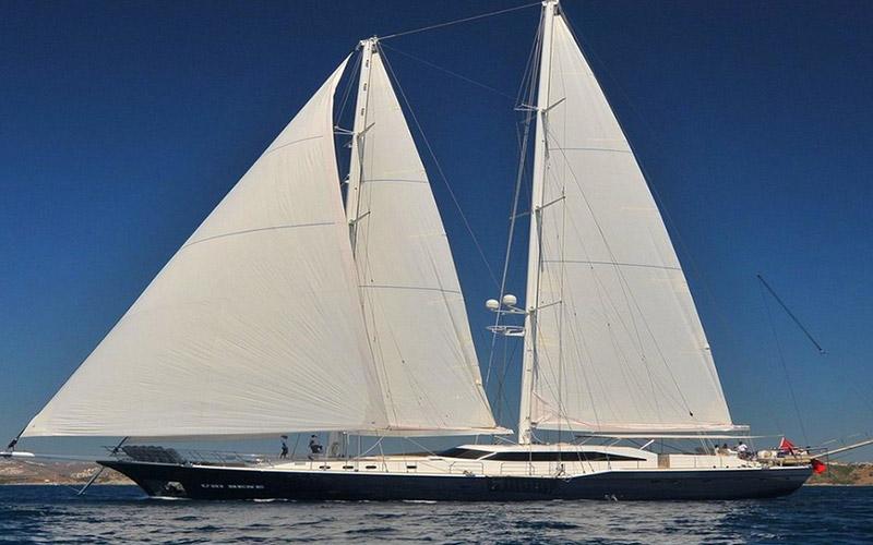 Nom Ubi Bene</br></br> 44 mètres, 5 suites et jusqu'à 12 passagers.</br> Il est UNIQUE! </br>Magnifique schooner pour une expérience de Pacha… </br>Le défi du meilleur prix à bord d'un Yacht à voiles de catégorie Vip Plus. </br></br> Lire la suite…